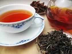 一張含有 飲料, 茶, 食物, 盤 的圖片自動產生的描述