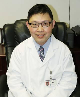 醫師俞小安指出,肝血管瘤一般為良性,但最大也有可能超過20公分。(記者李榮/攝影)